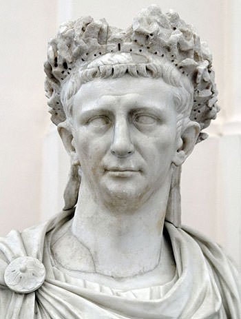 Bust-of-Roman-Emperor-Claudius-under-whose-reign-41-54-AD-Pont-du-Gard-was-probably-constructed