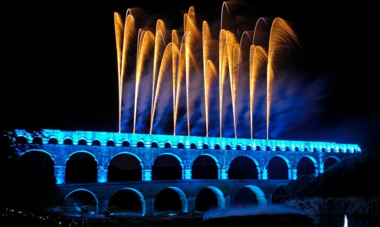 Site-du-Pont-du-Gard-Spectacle-C-Thierry-Nava-Groupe-F_slideshow_landscape