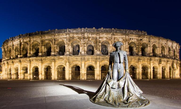 arena-nimes-roman-amphitheatre-found-french-city-nimes-30239074